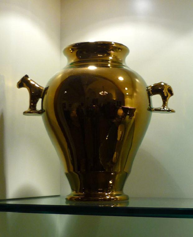 Luciano Tittarelli - Anni 00 - vaso-a-riflessi-rame-con-cavallino-2009-h-cm-35-ca-ceramiche-bizzirri